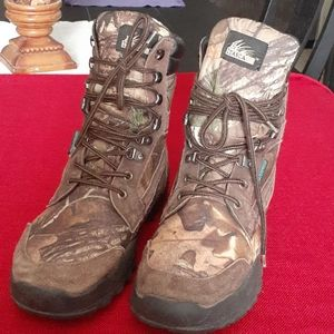 Itasca waterproof boots.